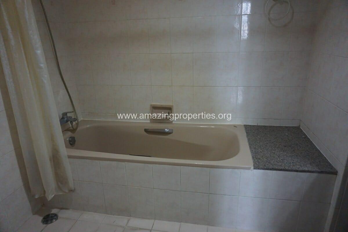 4 Bedroom Condo Ruamsuk Condominium-19