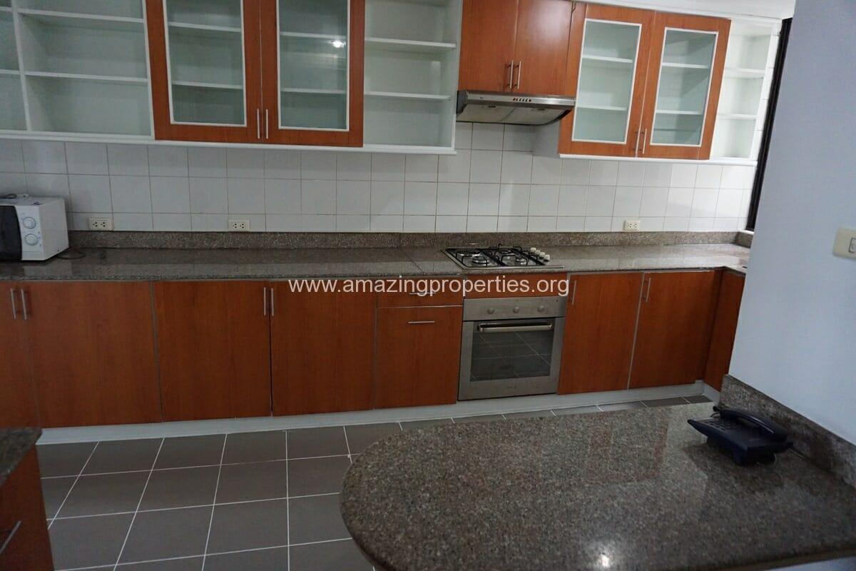 4 Bedroom Condo Ruamsuk Condominium-6