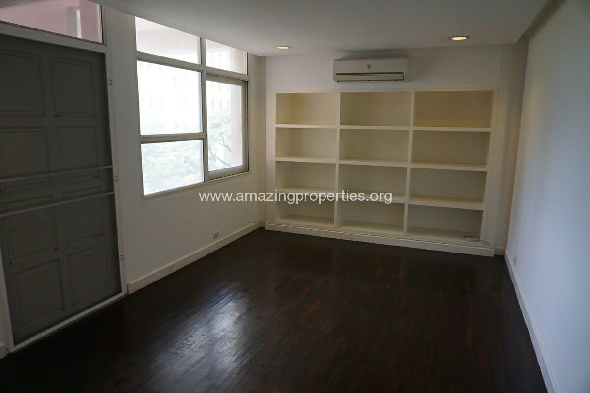 4 Bedroom Penthouse Siri Apartment (19)