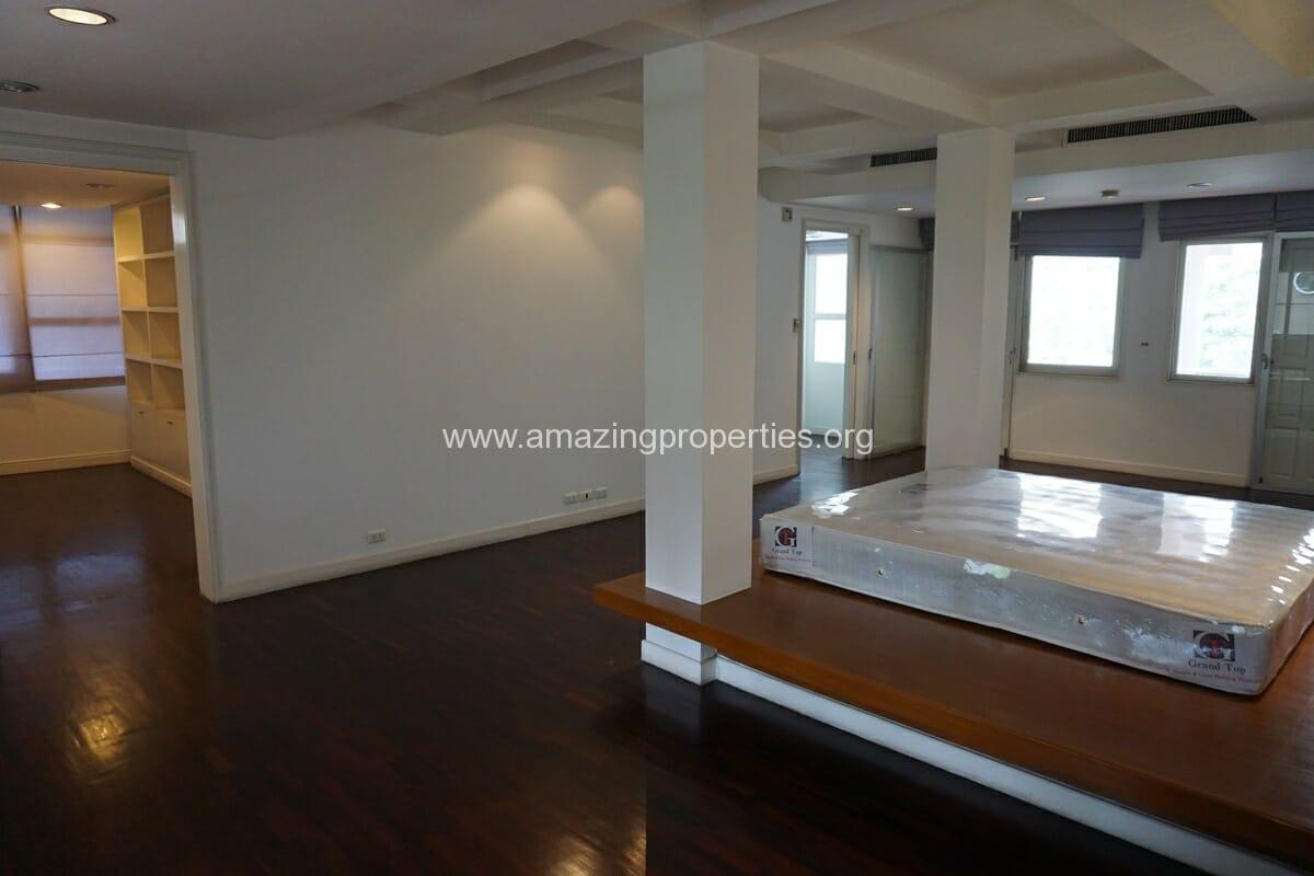 4 Bedroom Penthouse Siri Apartment (24)