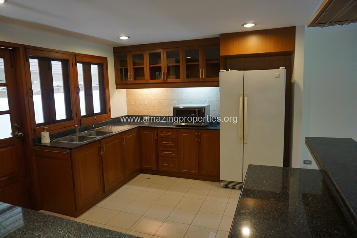 4 Bedroom Phrom Phong House-14