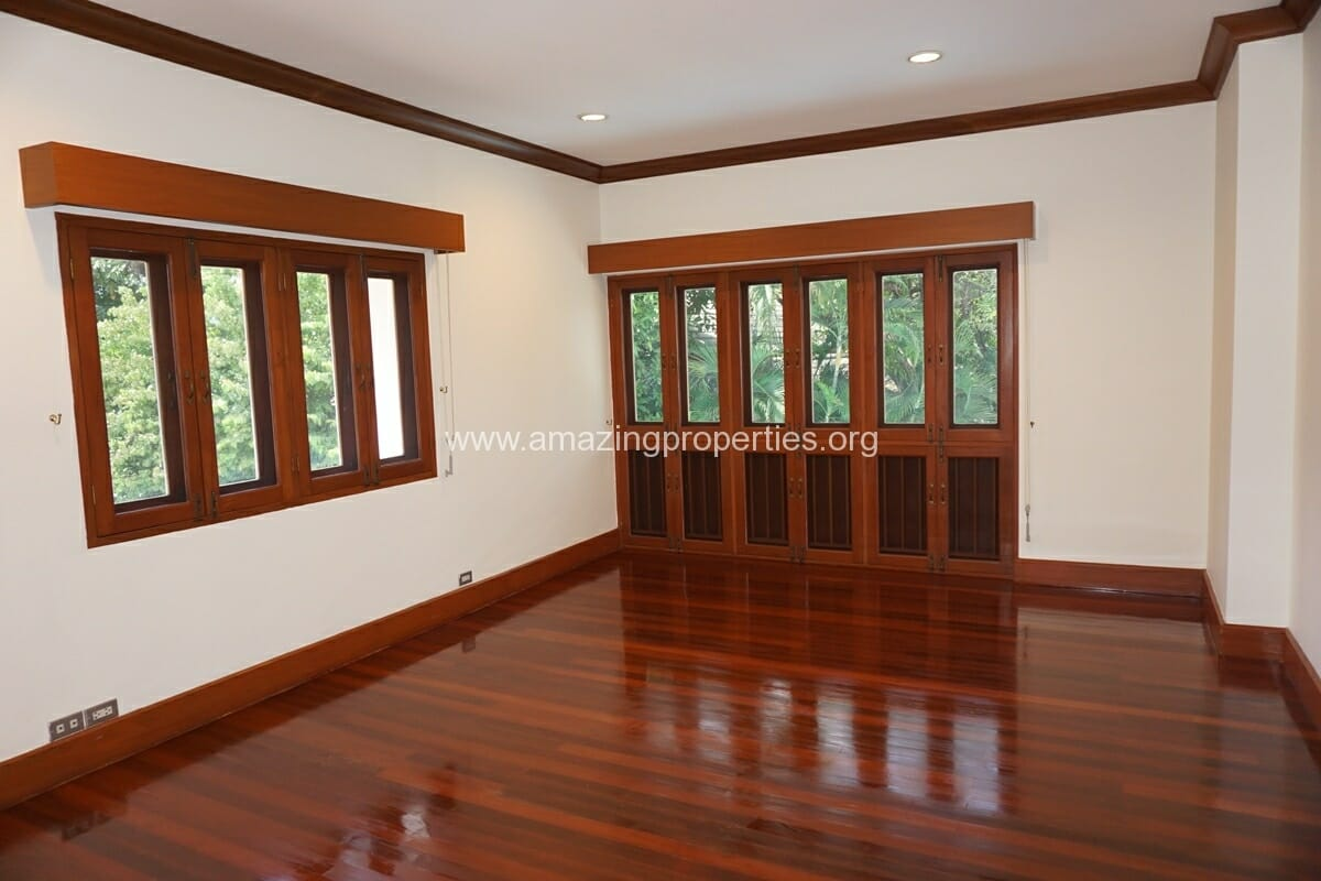 4 Bedroom Phrom Phong House-19
