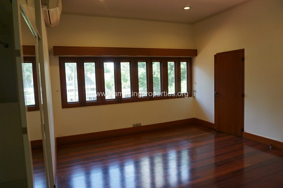 4 Bedroom Phrom Phong House-27