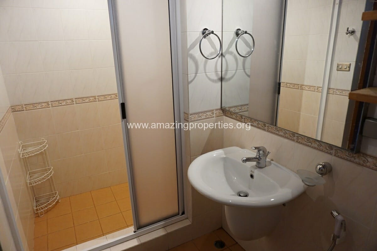 4 Bedroom Phrom Phong House-7