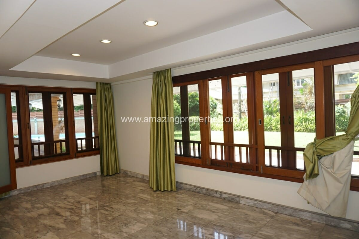 4 Bedroom Phrom Phong House-9