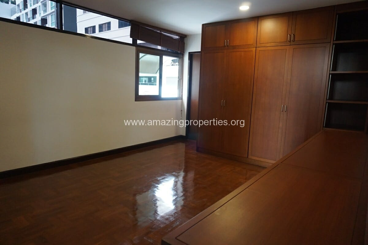 Nana 3 Bedroom House for Rent-13