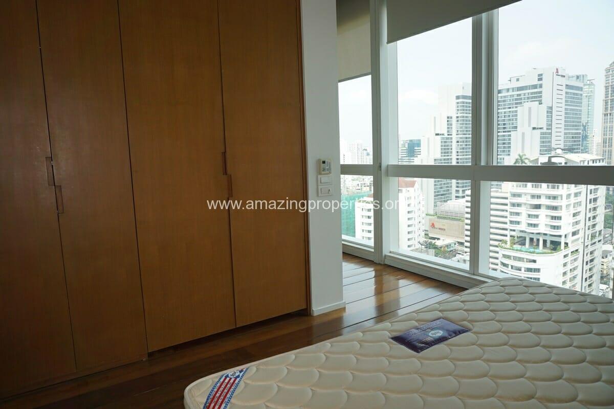 1 bedroom Condo Millenium Residence-8