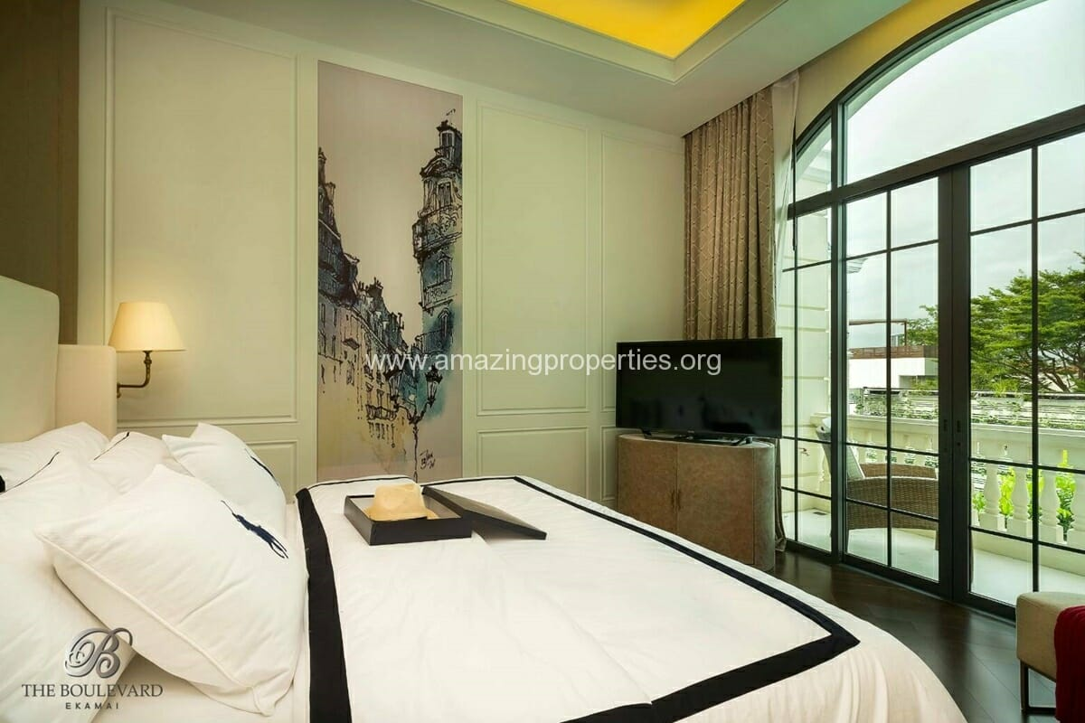 Ekkamai 4 Bedroom House for Sale-14