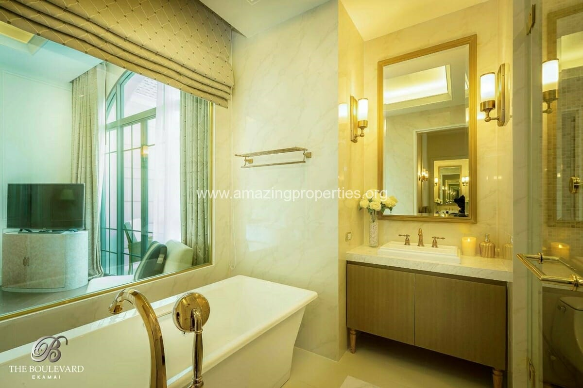 Ekkamai 4 Bedroom House for Sale-15