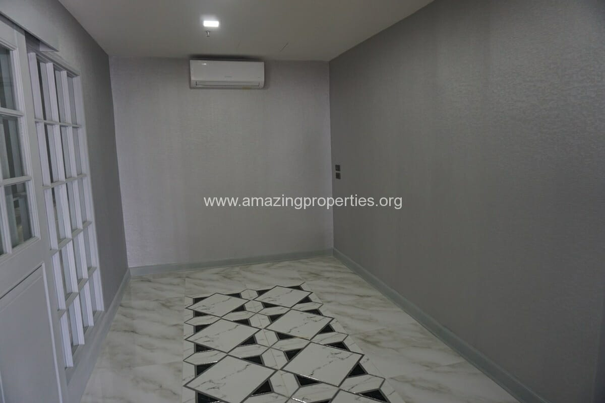 Kiarthanee Mansion Penthouse for Rent-5