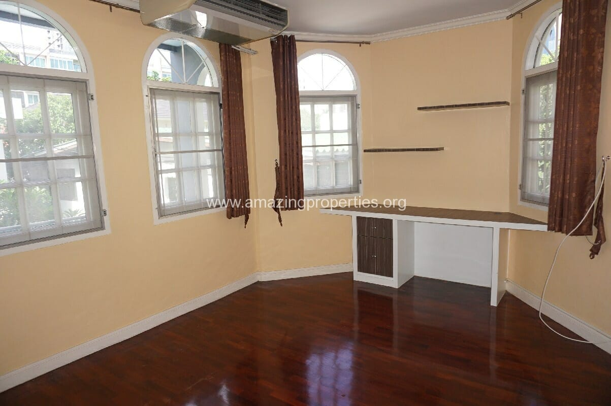 Phrom Phong House for Rent-14