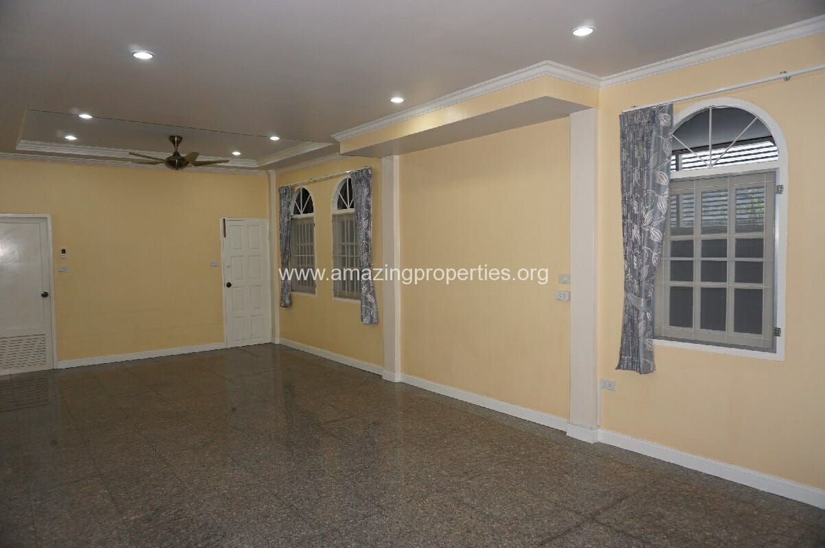 Phrom Phong House for Rent-3