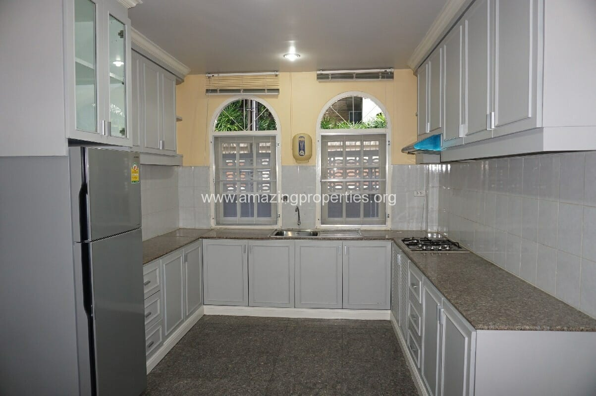 Phrom Phong House for Rent-5