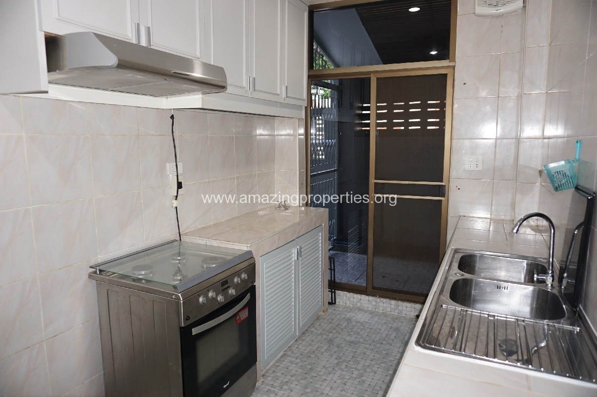Phrom Phong House for Rent-6