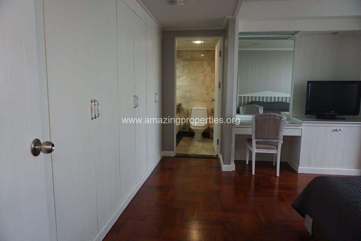 Lake Avenue 1 Bedroom Condo-9