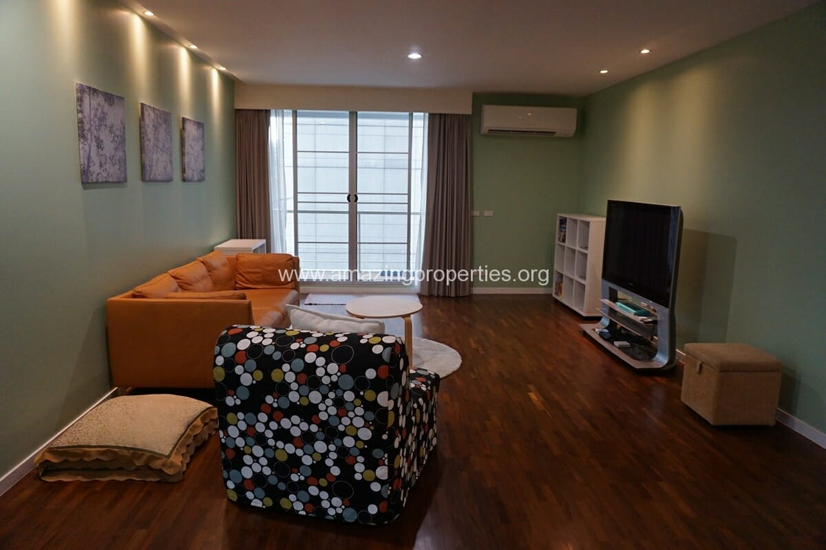 2 Bedroom Condo Noble House Ruamrudee-5