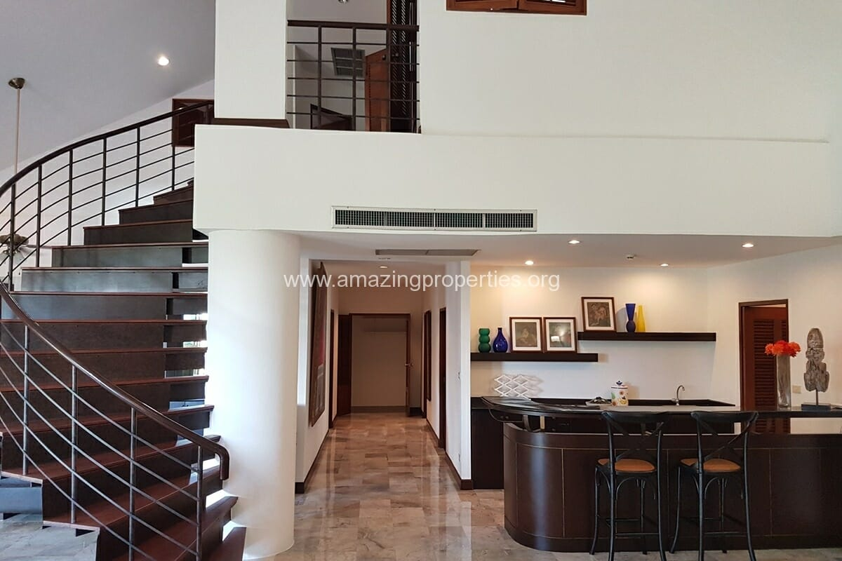 Raintree Village Duplex Penthouse-3
