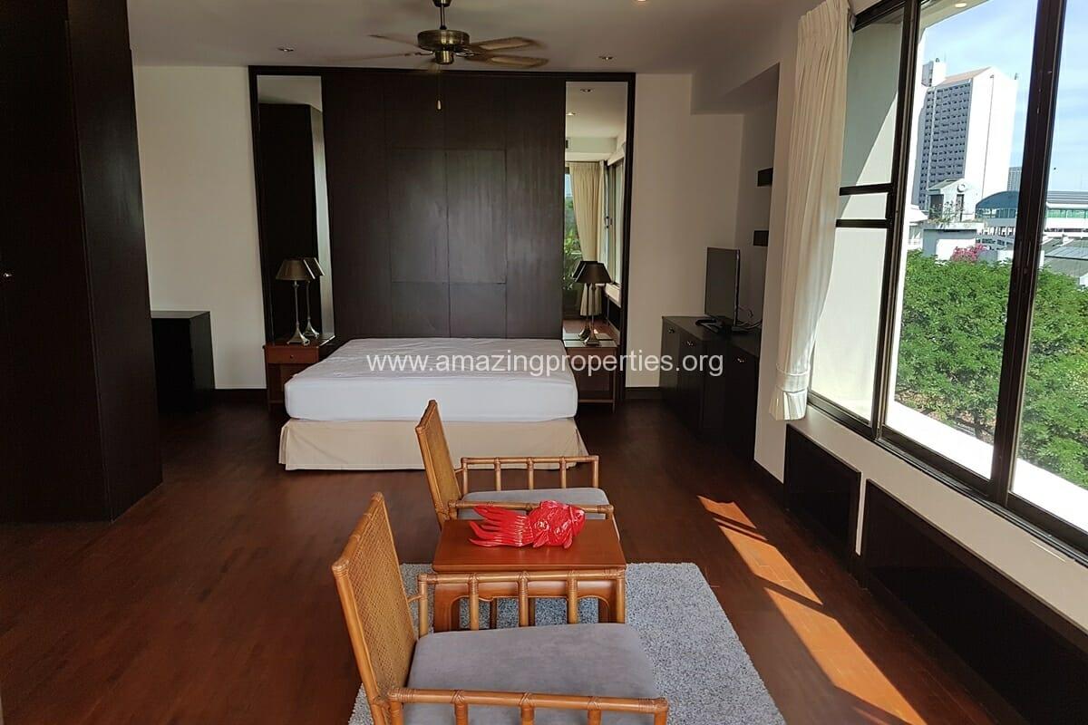 Raintree Village Duplex Penthouse-8