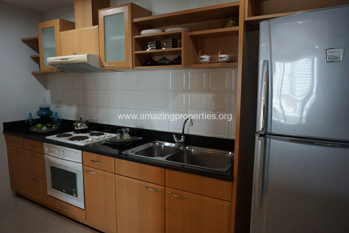 3 bedroom apartment Queens Park View-1