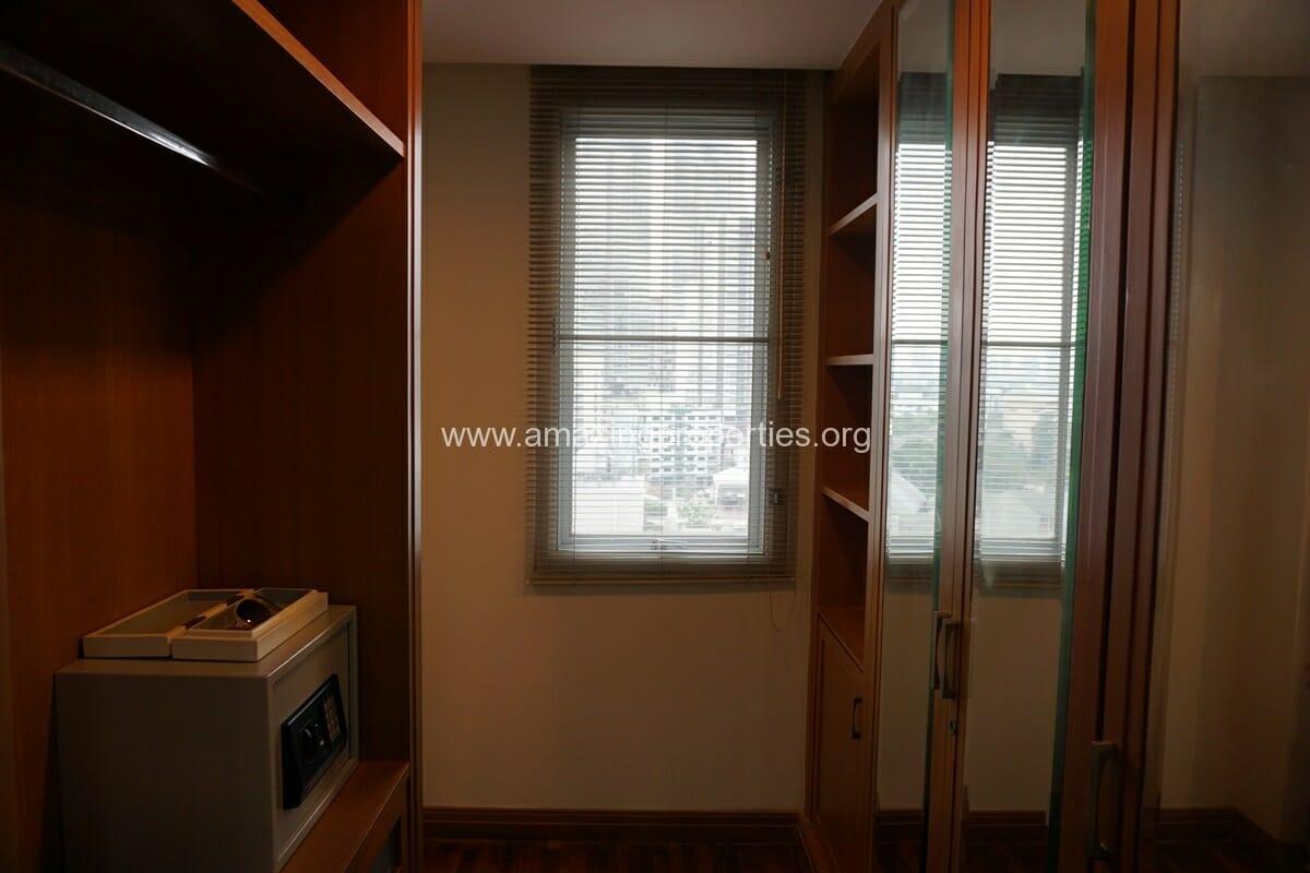 3 bedroom apartment Queens Park View-13