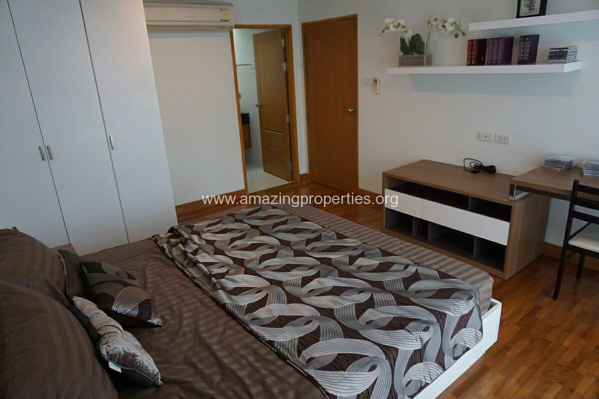 3 bedroom apartment Queens Park View-17