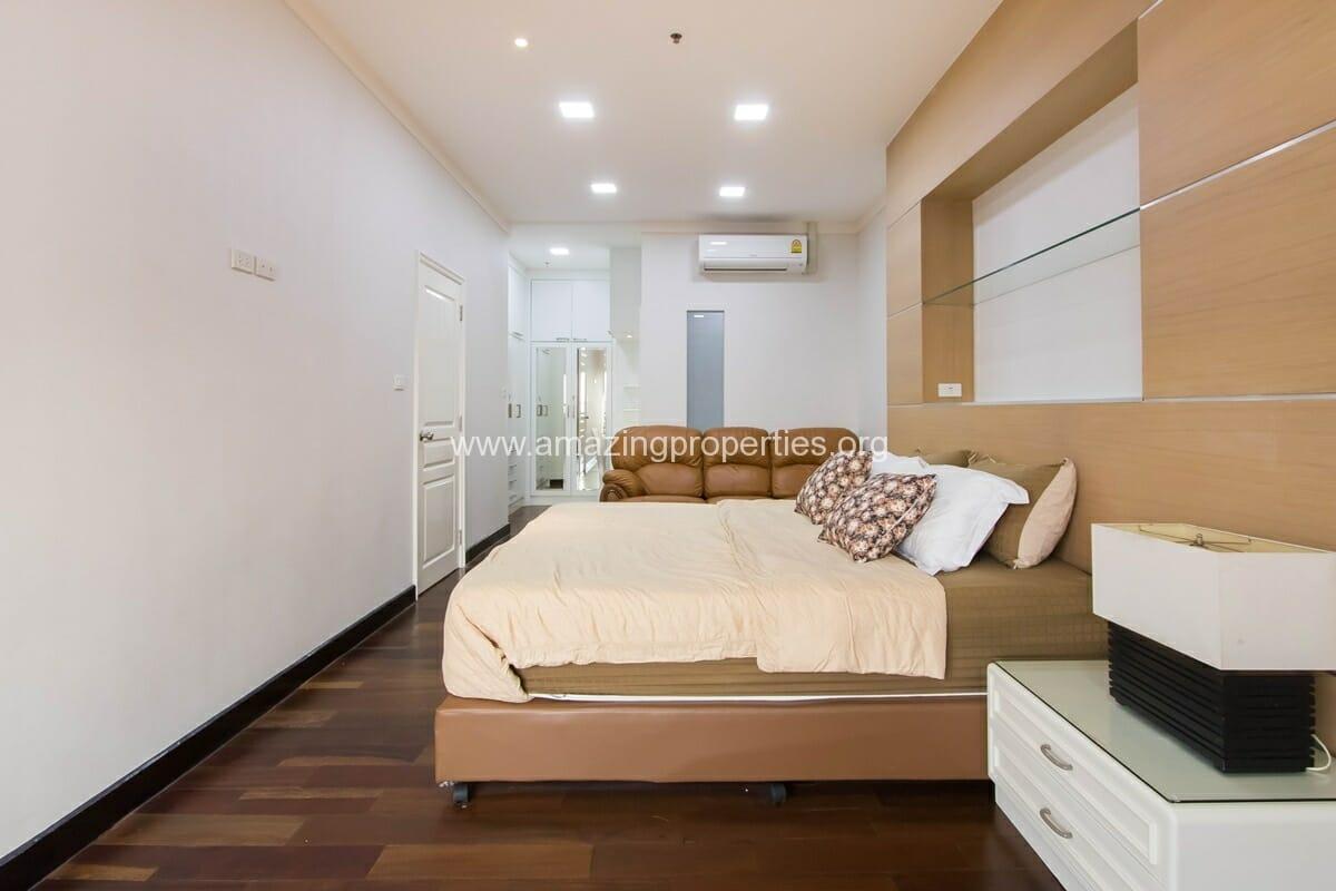 Waterford Diamond 3 Bedroom condo-3