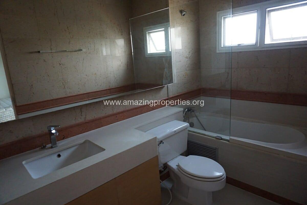 4 Bedroom Penthouse Baan Phansiri-14