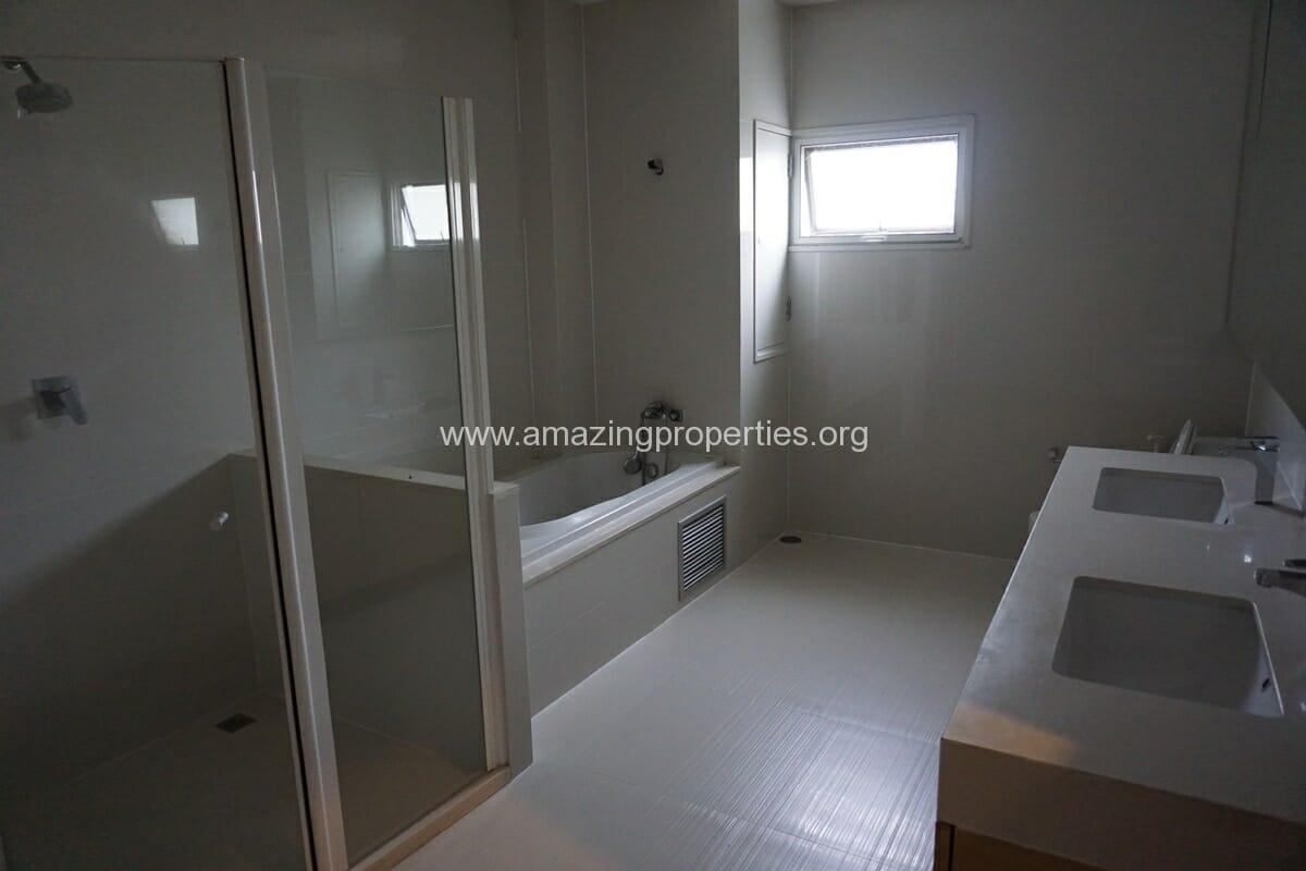4 Bedroom Penthouse Baan Phansiri-20