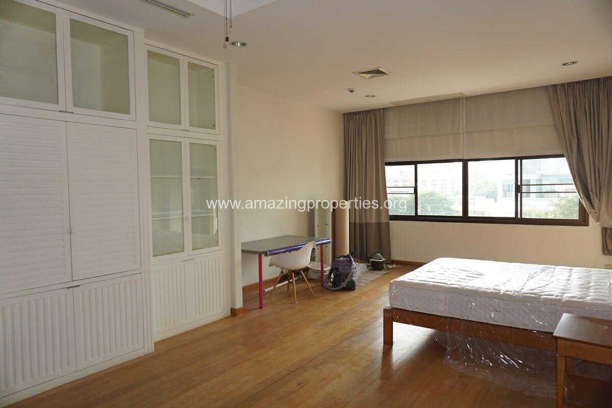 4 Bedroom Penthouse Baan Phansiri-8