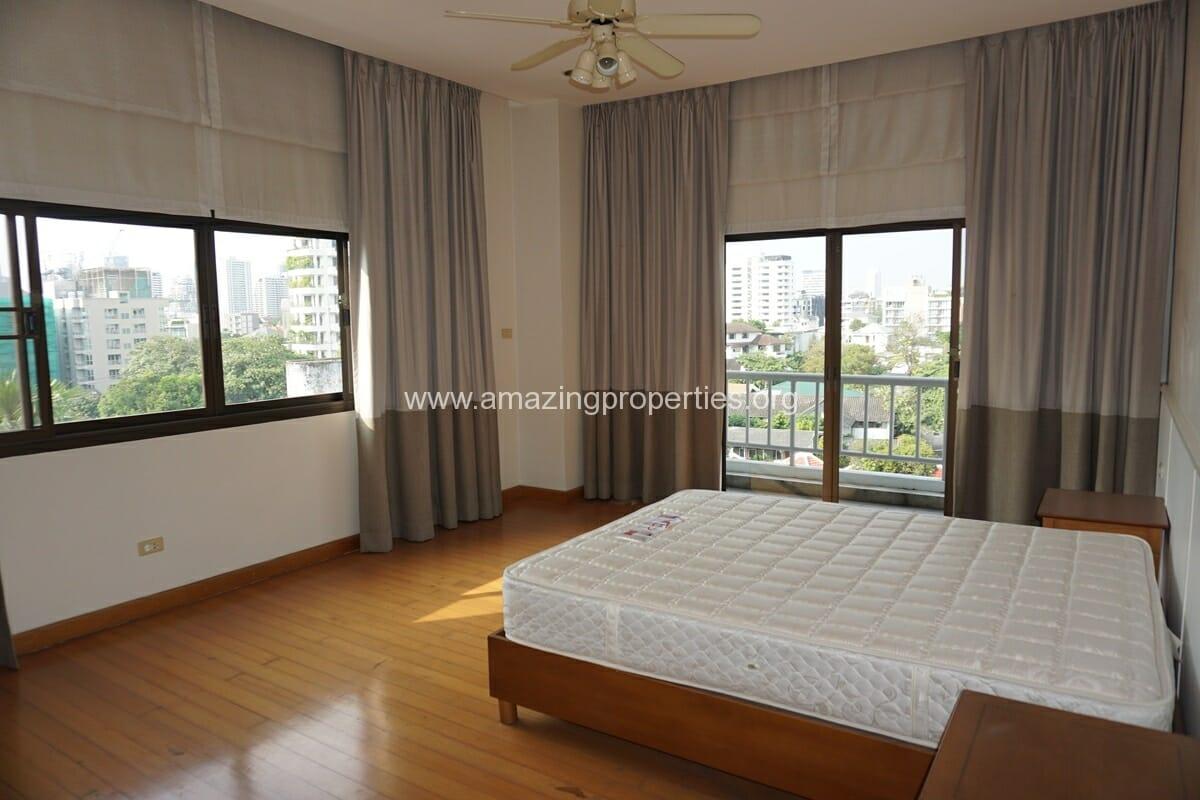 4 Bedroom Penthouse Baan Phansiri-9