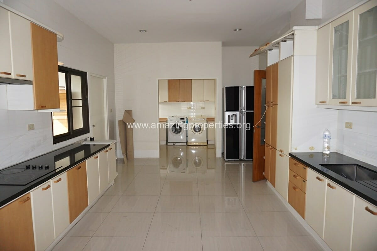 4 Bedroom Penthouse Baan Phansiri
