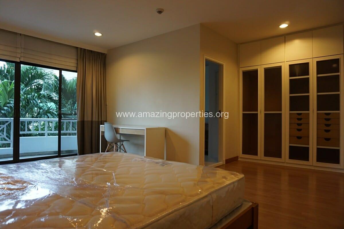 4 bedroom Baan Phansiri-13