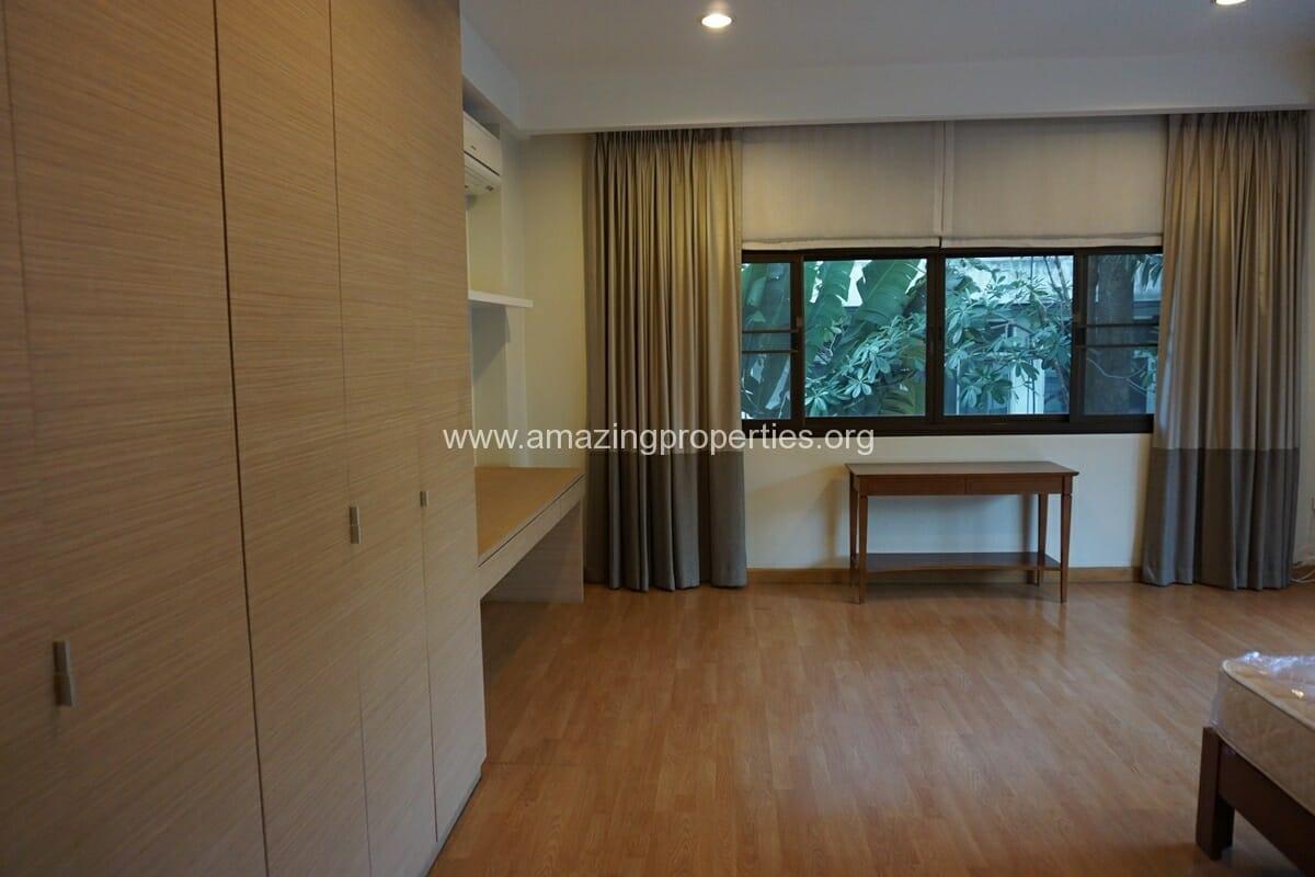 4 bedroom Baan Phansiri-18