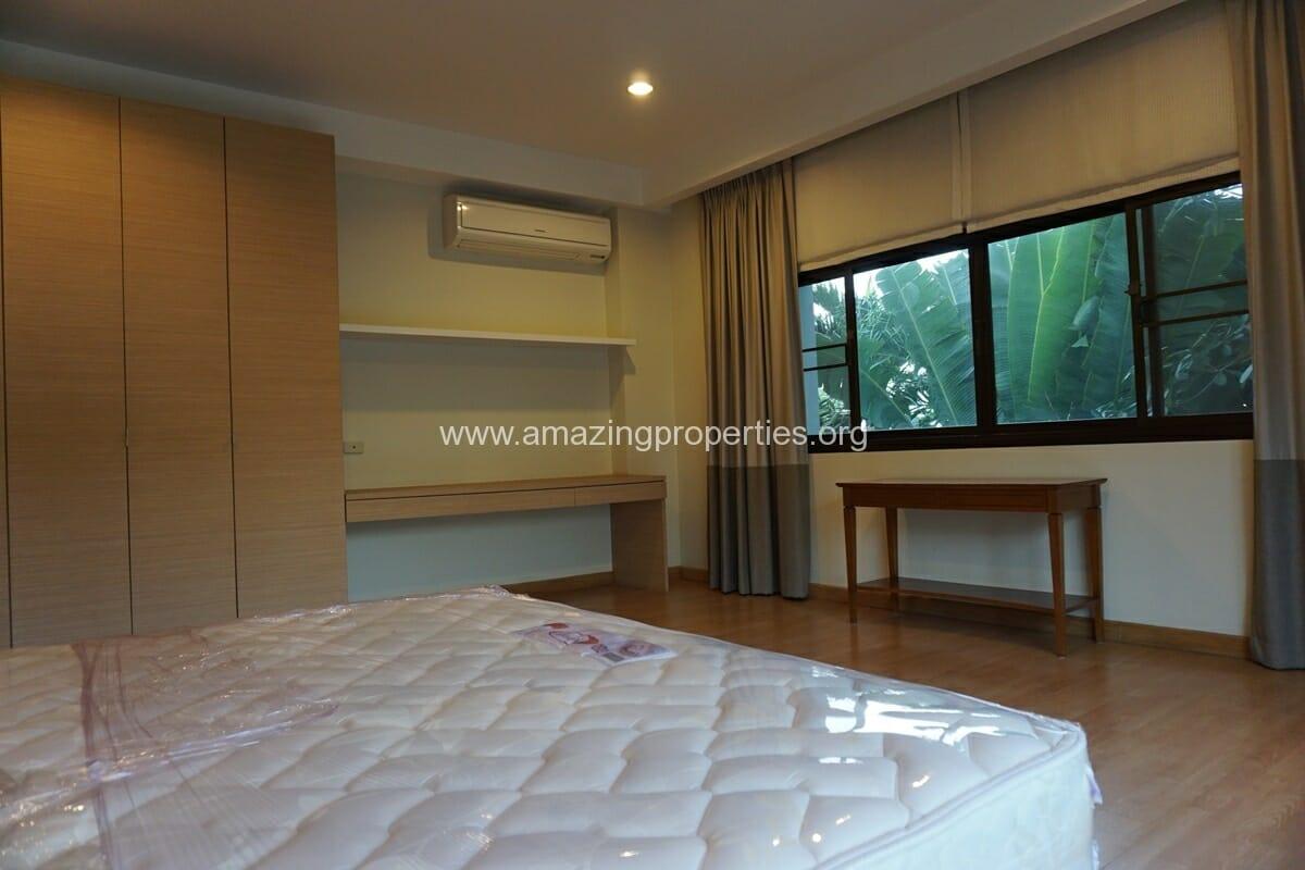 4 bedroom Baan Phansiri-21
