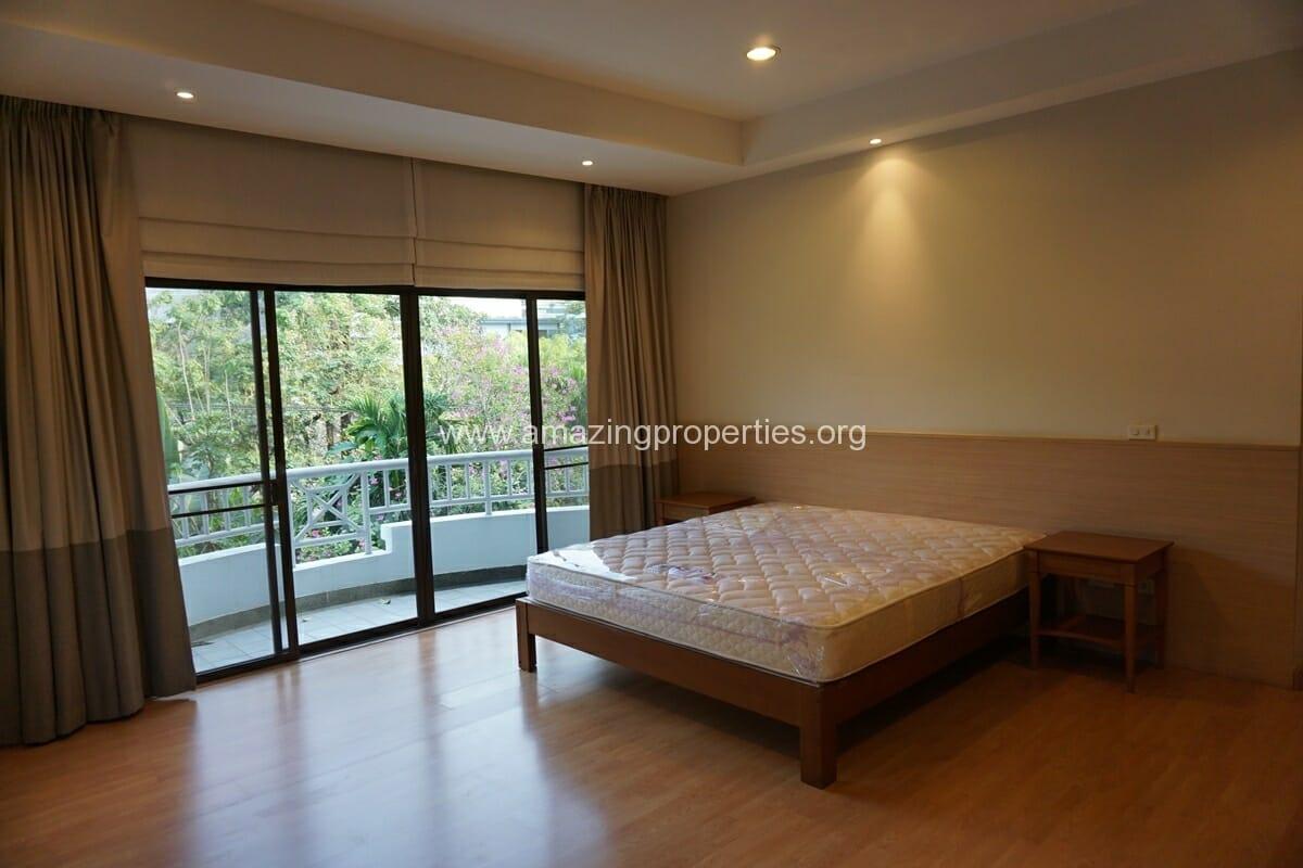 4 bedroom Baan Phansiri-22