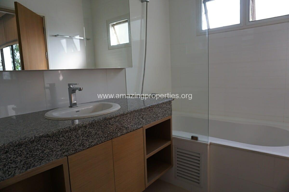 4 bedroom Baan Phansiri-24