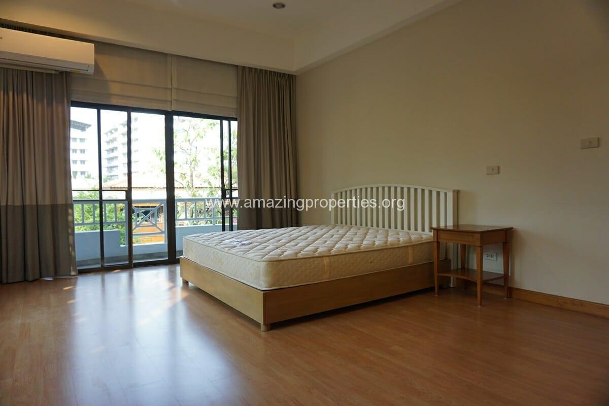 4 bedroom Baan Phansiri-25