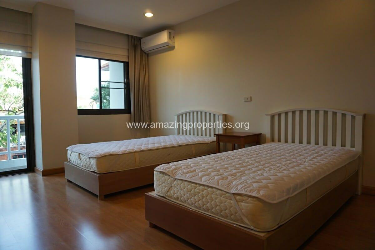4 bedroom Baan Phansiri-8