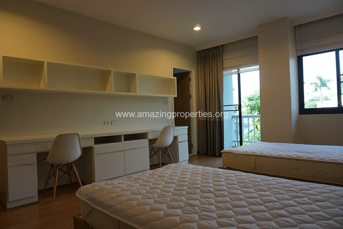 4 bedroom Baan Phansiri-9