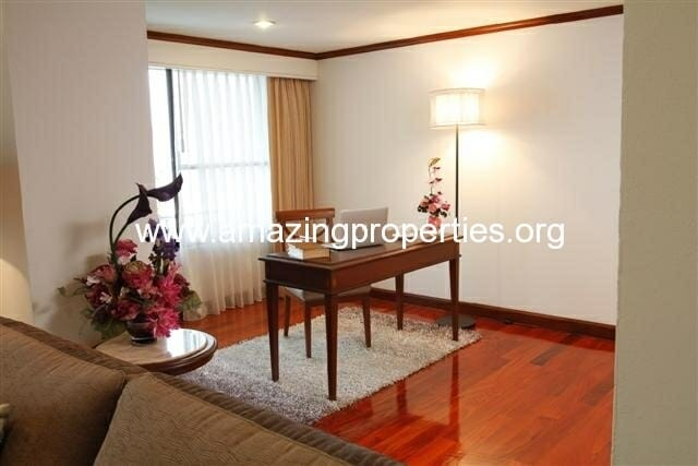 3+1 Bedroom Apartment in Asoke-10