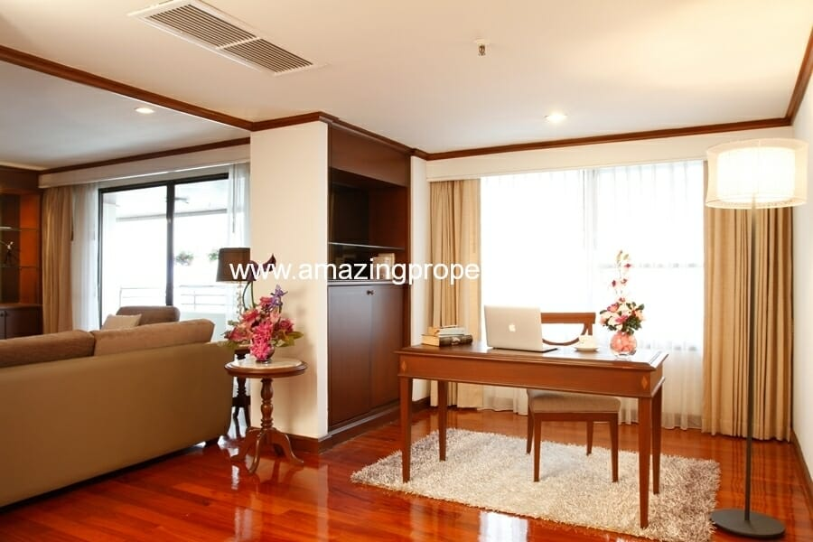 3+1 Bedroom Apartment in Asoke-2