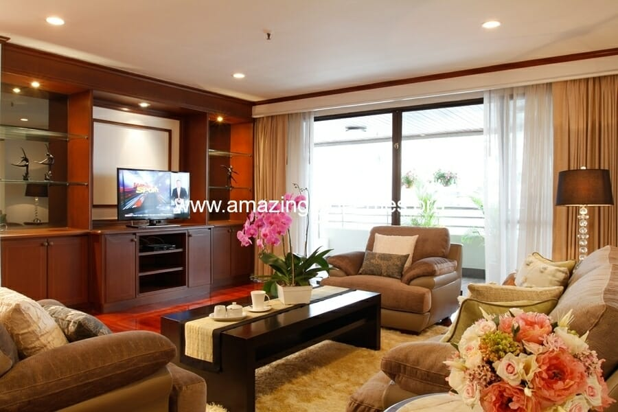 3+1 Bedroom Apartment in Asoke-4