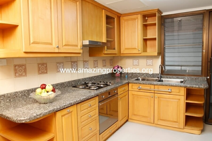3+1 Bedroom Apartment in Asoke-5