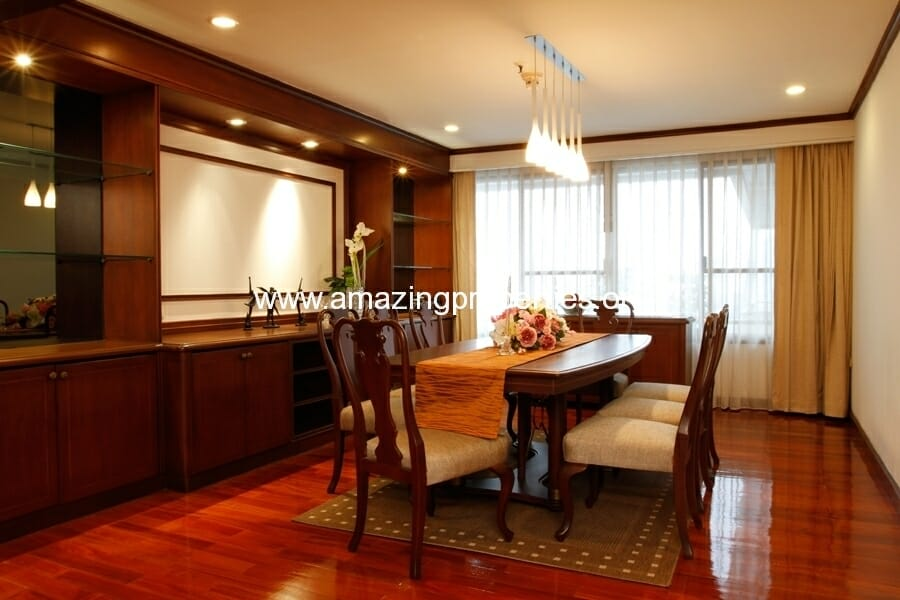 3+1 Bedroom Apartment in Asoke-6
