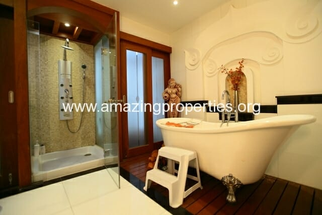 4 Bedroom House Phrom Phong-21