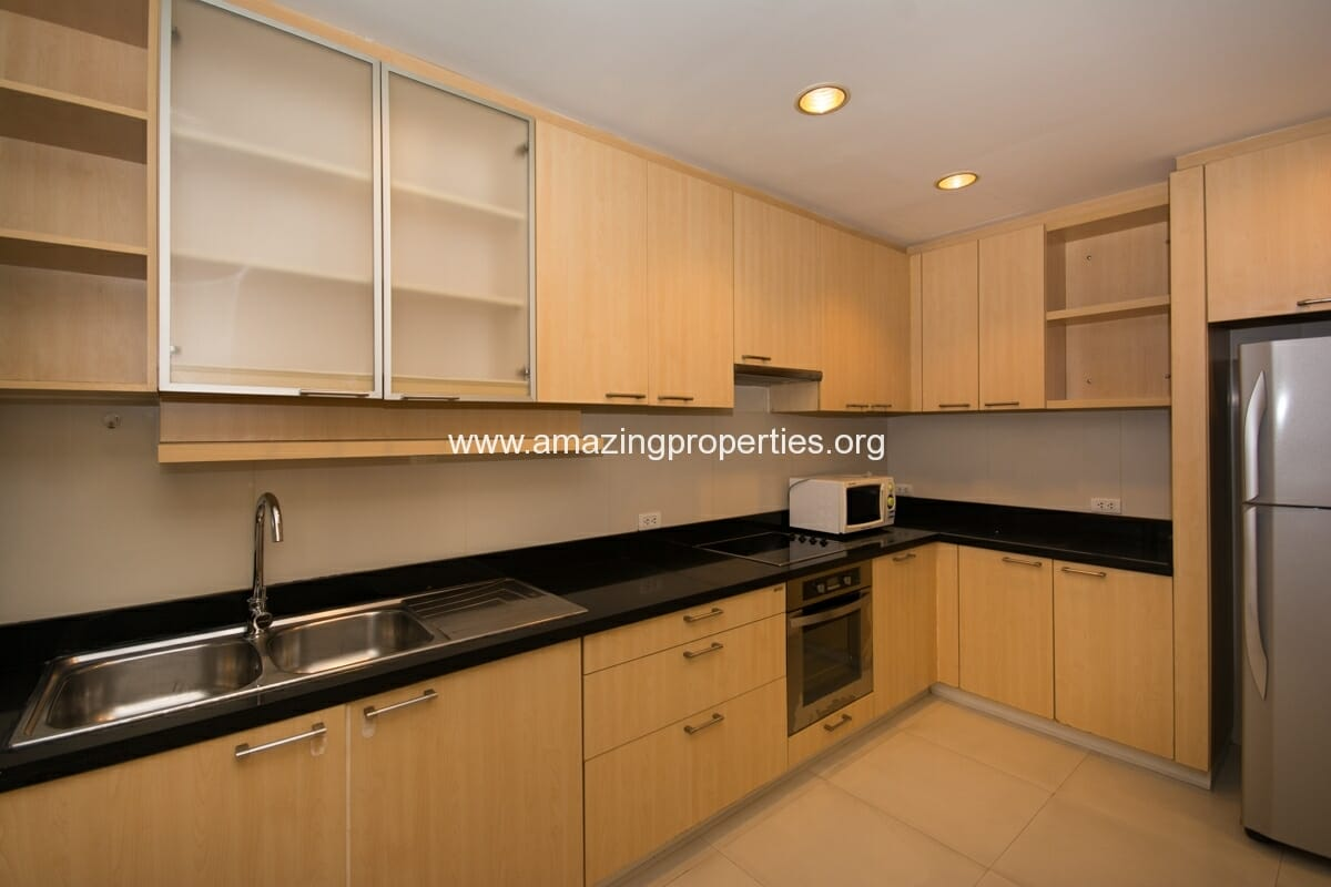 Duplex 3 bedroom Apartment in Phrom Phong