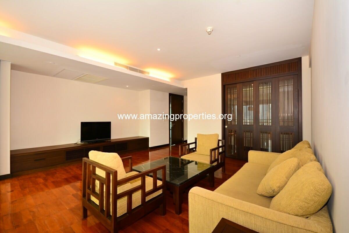 Vasu The Residence 2+1 Bedroom Apartment Thonglor