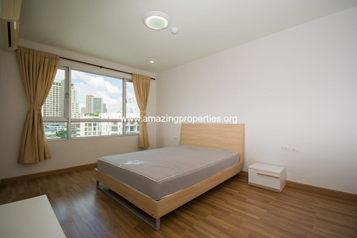 yo-place-2-bedroom-apartment-asoke-9