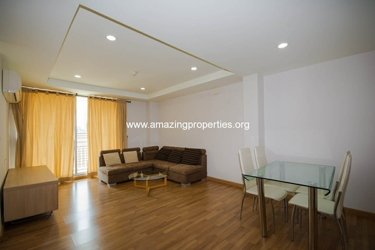 yo-place-3-bedroom-apartment-in-asoke-1