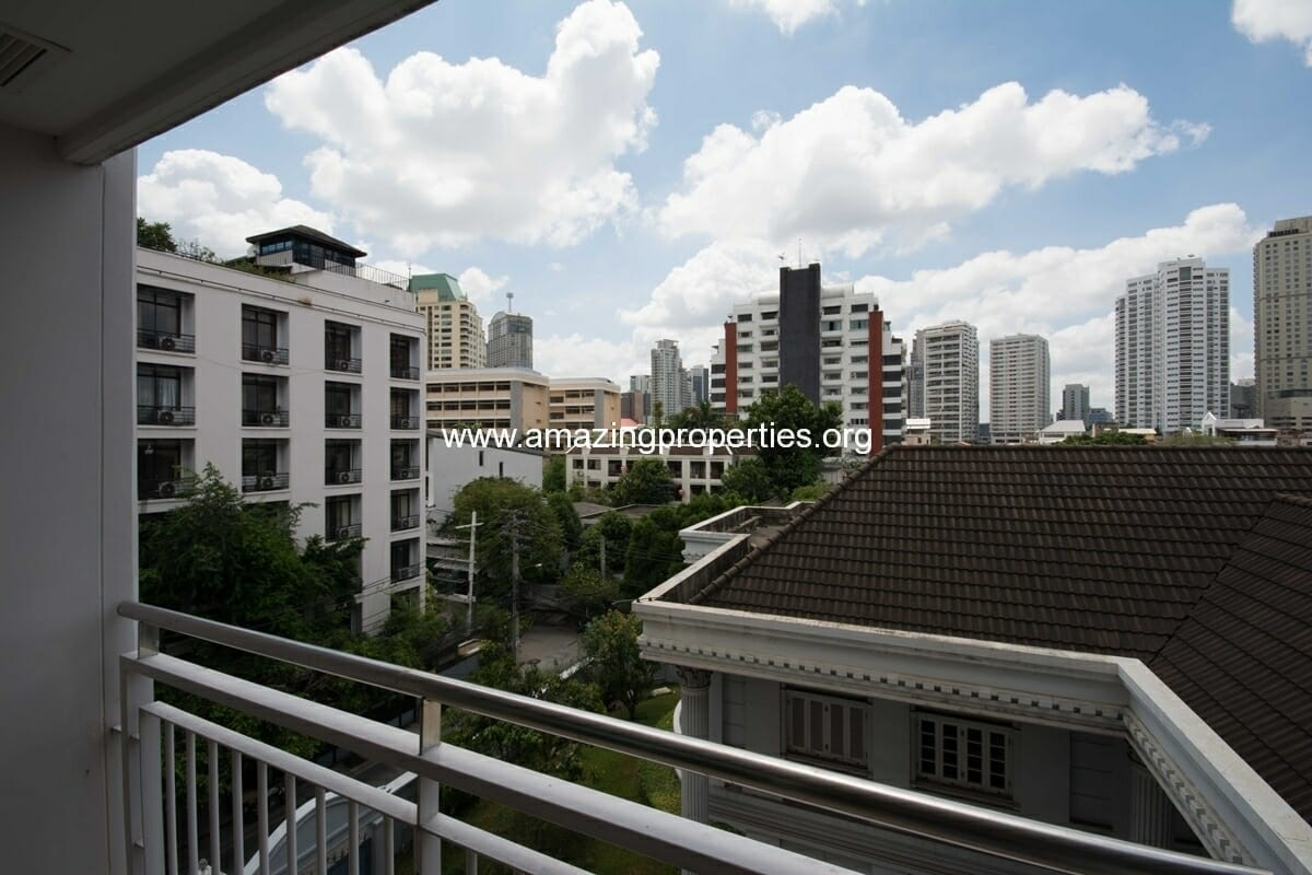 yo-place-3-bedroom-apartment-in-asoke-10